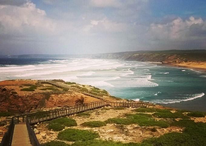 Praia da Bordeira, beach walker's paradise © João Baptista Ramos