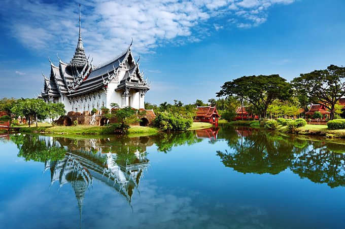 Top 10 things to do in Thailand: Full Moon parties, Temples and Muay
