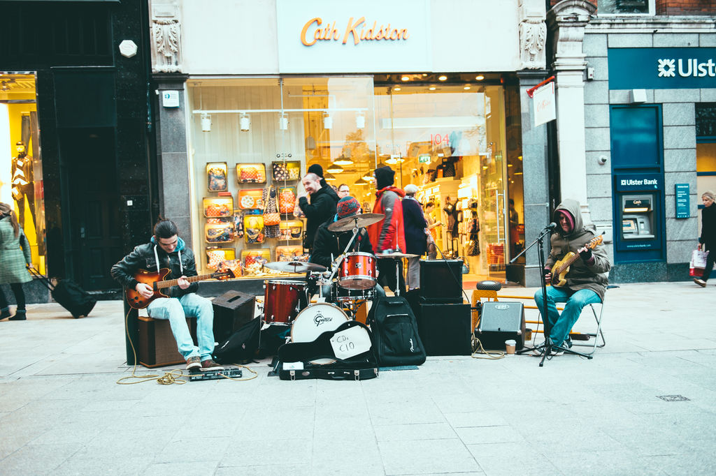 Buskers performing on Grafton Street, Dublin. Credit: ©Tourism Ireland