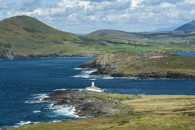 The Kerry Way offers magnificent mountain and sea views
